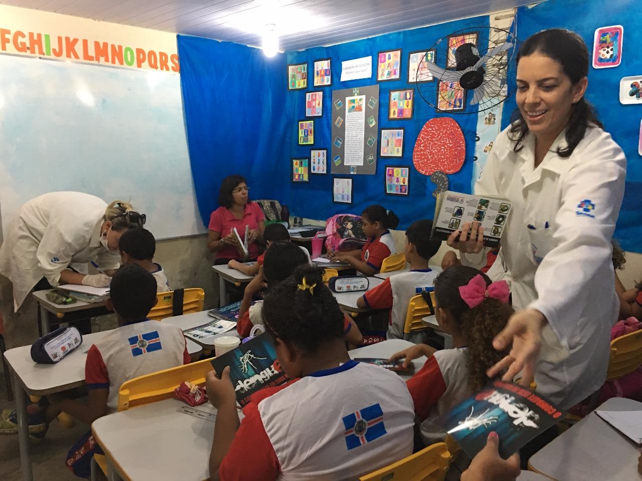 Cárie Zero realiza 150 atendimentos em escola do Regomoleiro III