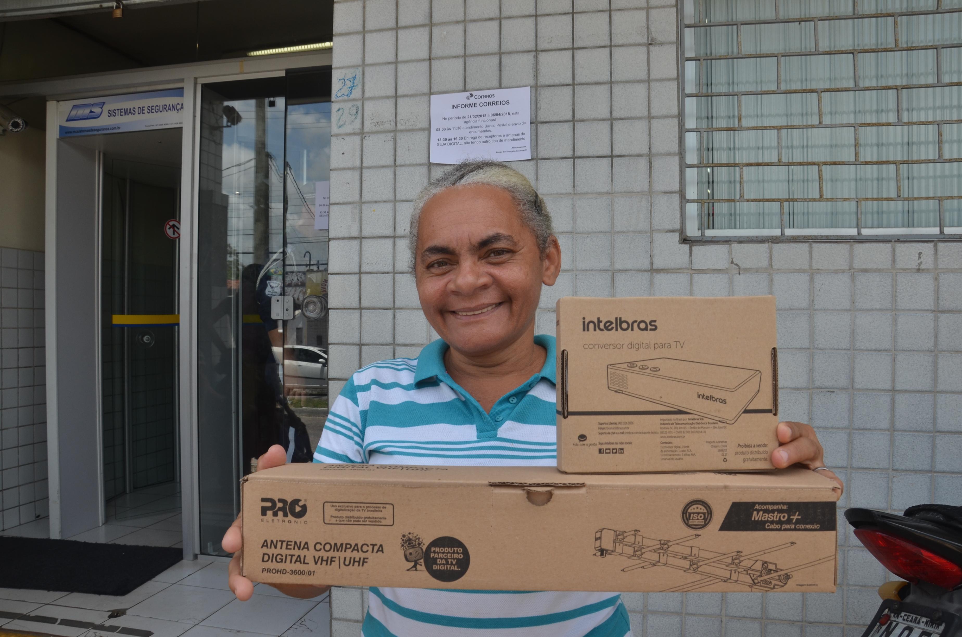 Kits digitais gratuitos começam a ser entregues em São Gonçalo