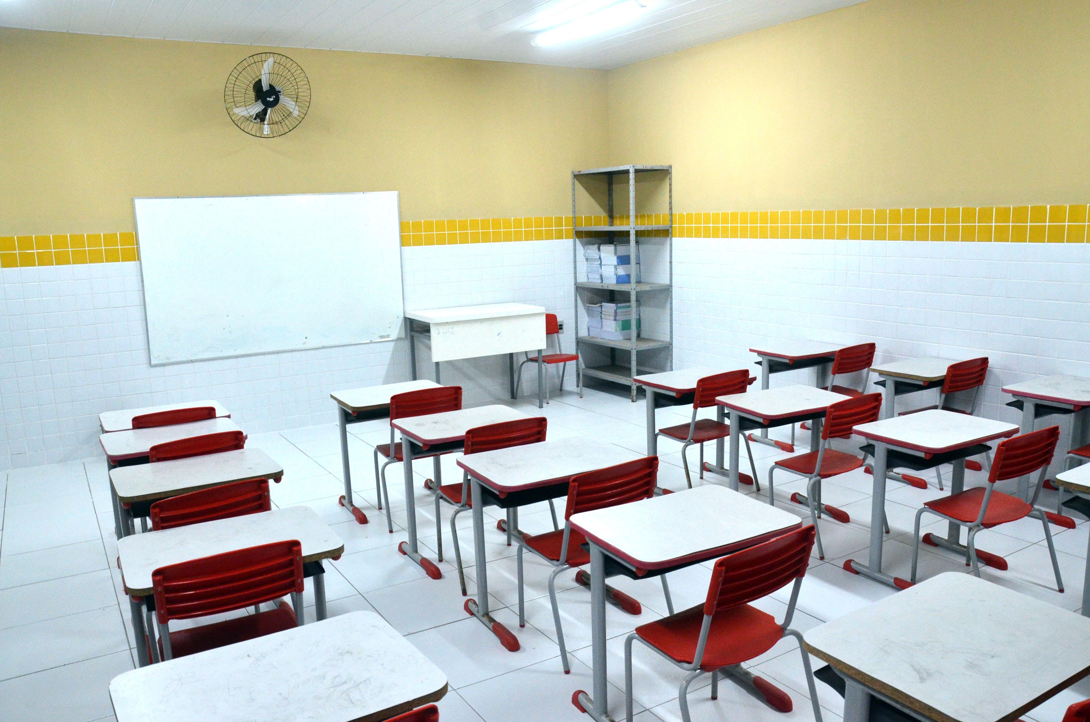 Prefeito Paulinho entrega mais uma ampliação e reforma de escola à população