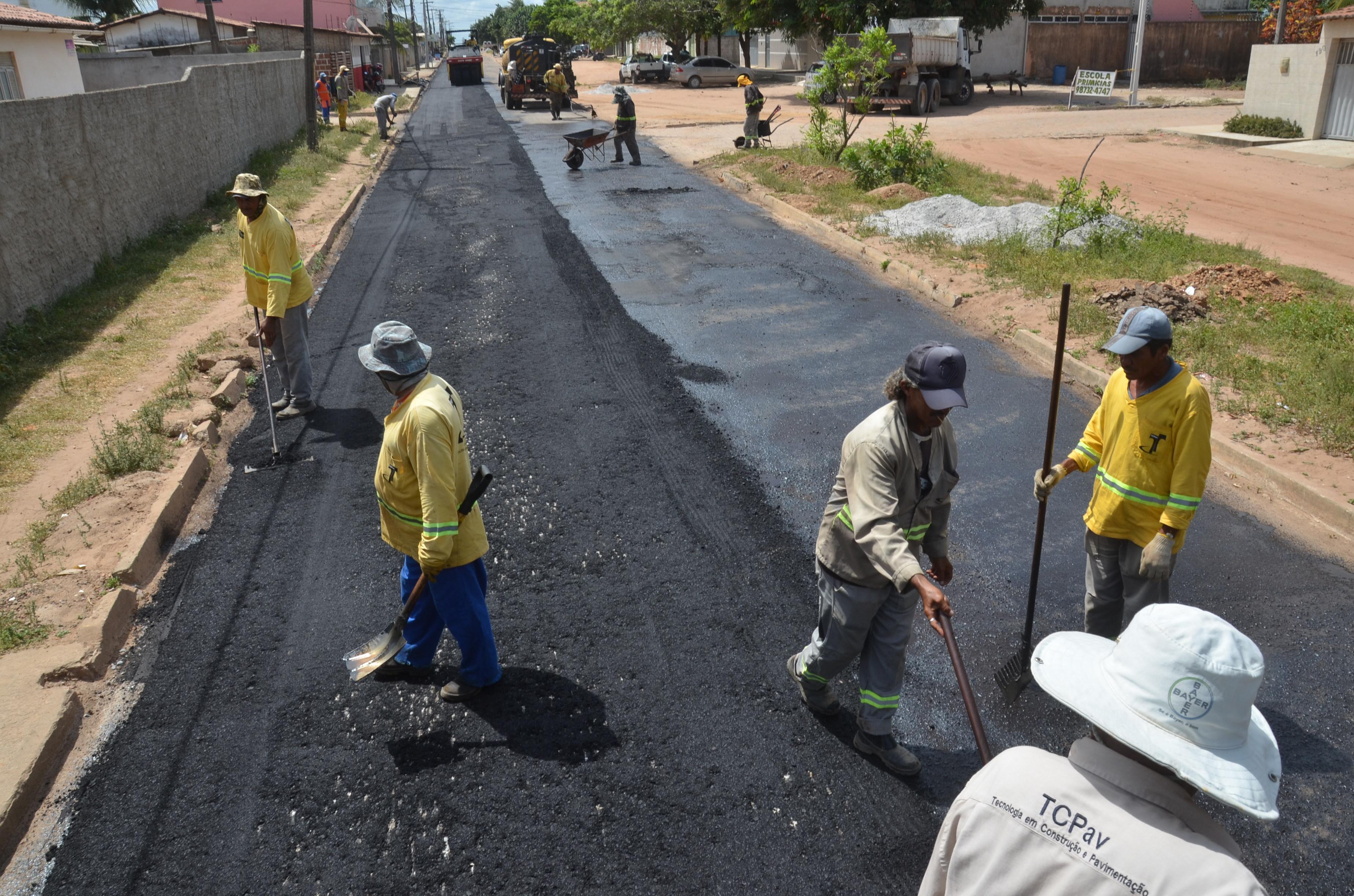 Prefeitura destina mais de R$ 2 milhões em pavimentação no bairro Jardins