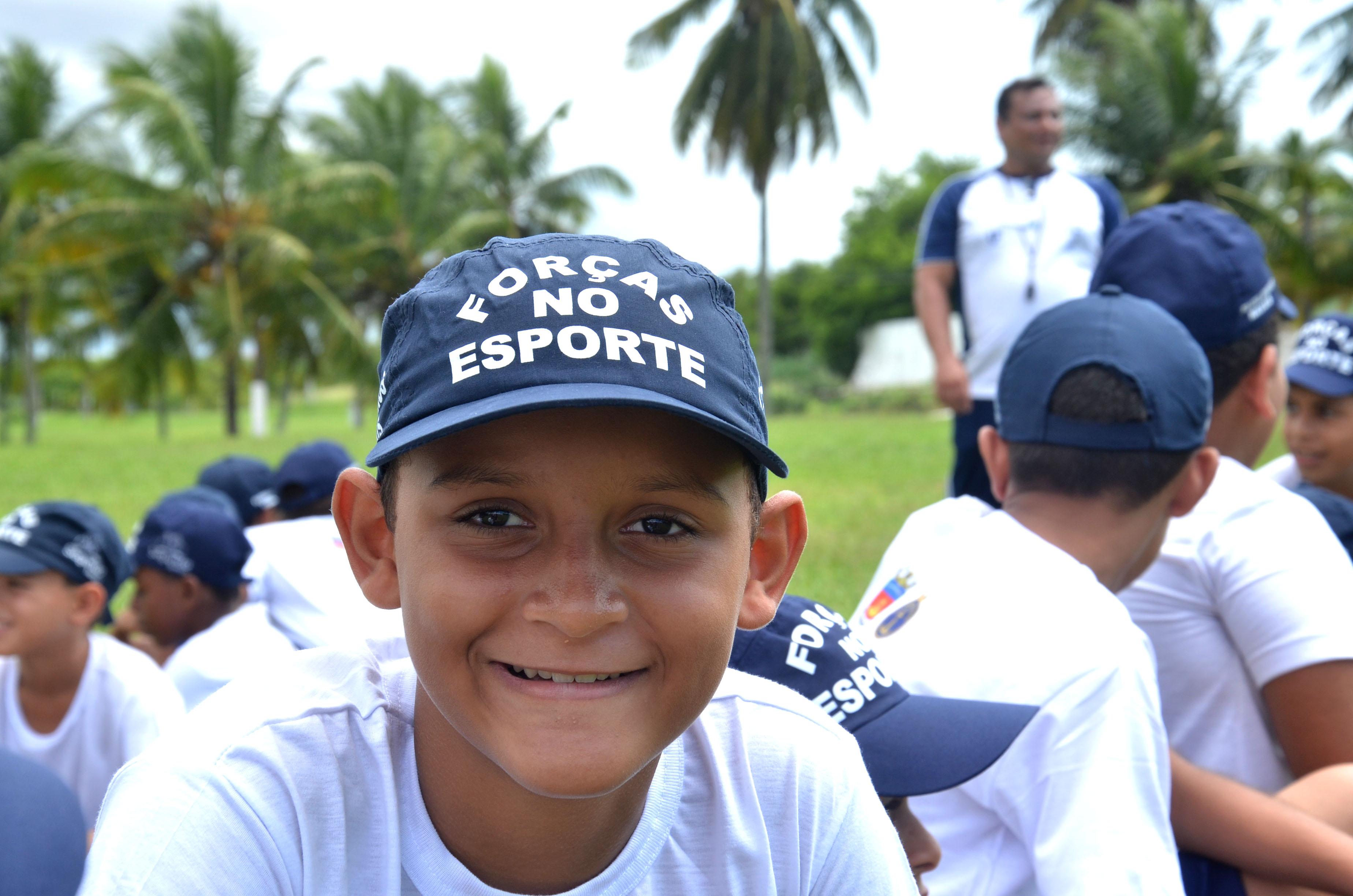 """Programa """"Forças no Esporte"""" beneficia mais de 300 alunos em São Gonçalo"""