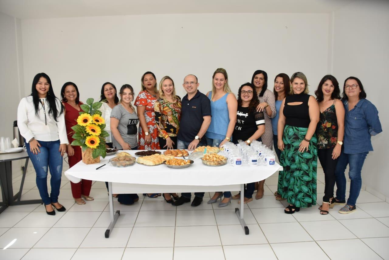 Dia do assistente social é comemorado com café da manhã na sede da Prefeitura