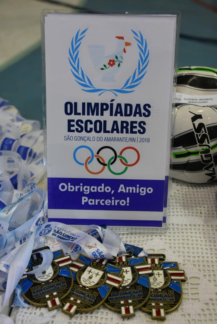 Atletas são-gonçalenses participam de encerramento das Olimpíadas mpiadas Escolares de 2018