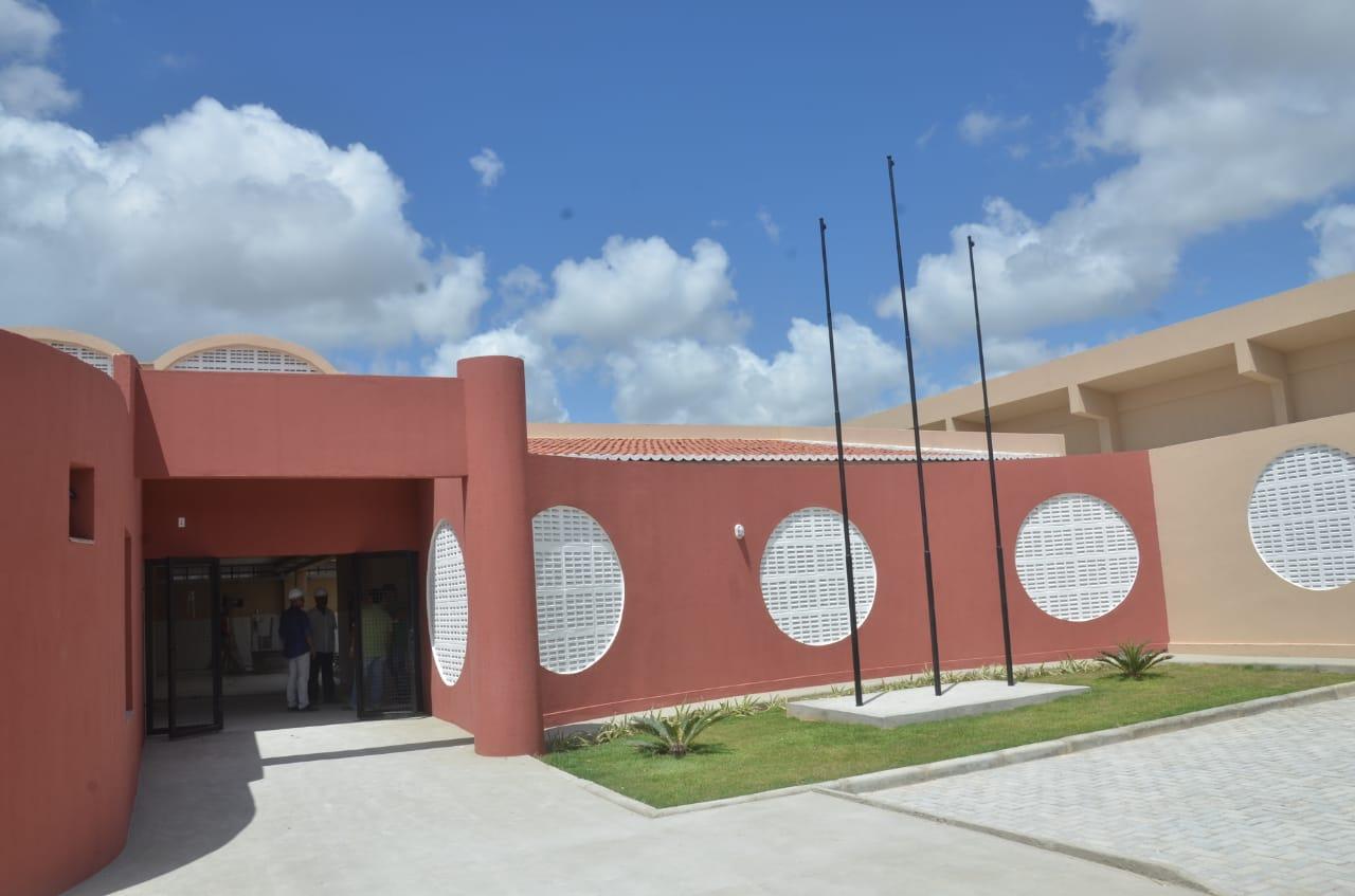 Escola estadual de ensino médio é inaugurada no Bairro Jardins