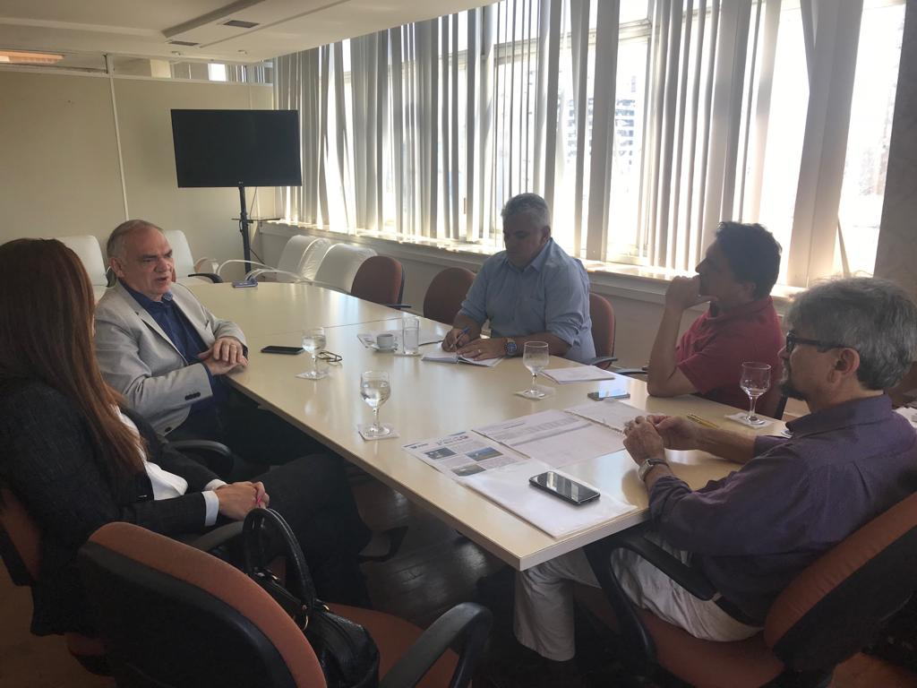 Na Secretaria Estadual de Saúde, prefeito Paulinho discute melhorias para a saúde do município