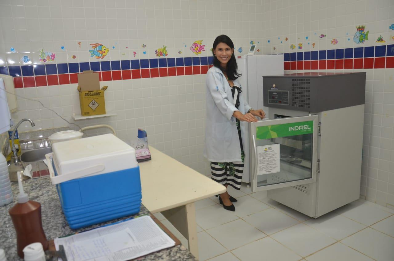 Saúde: Prefeitura Municipal entrega novas câmaras para conservação de vacinas