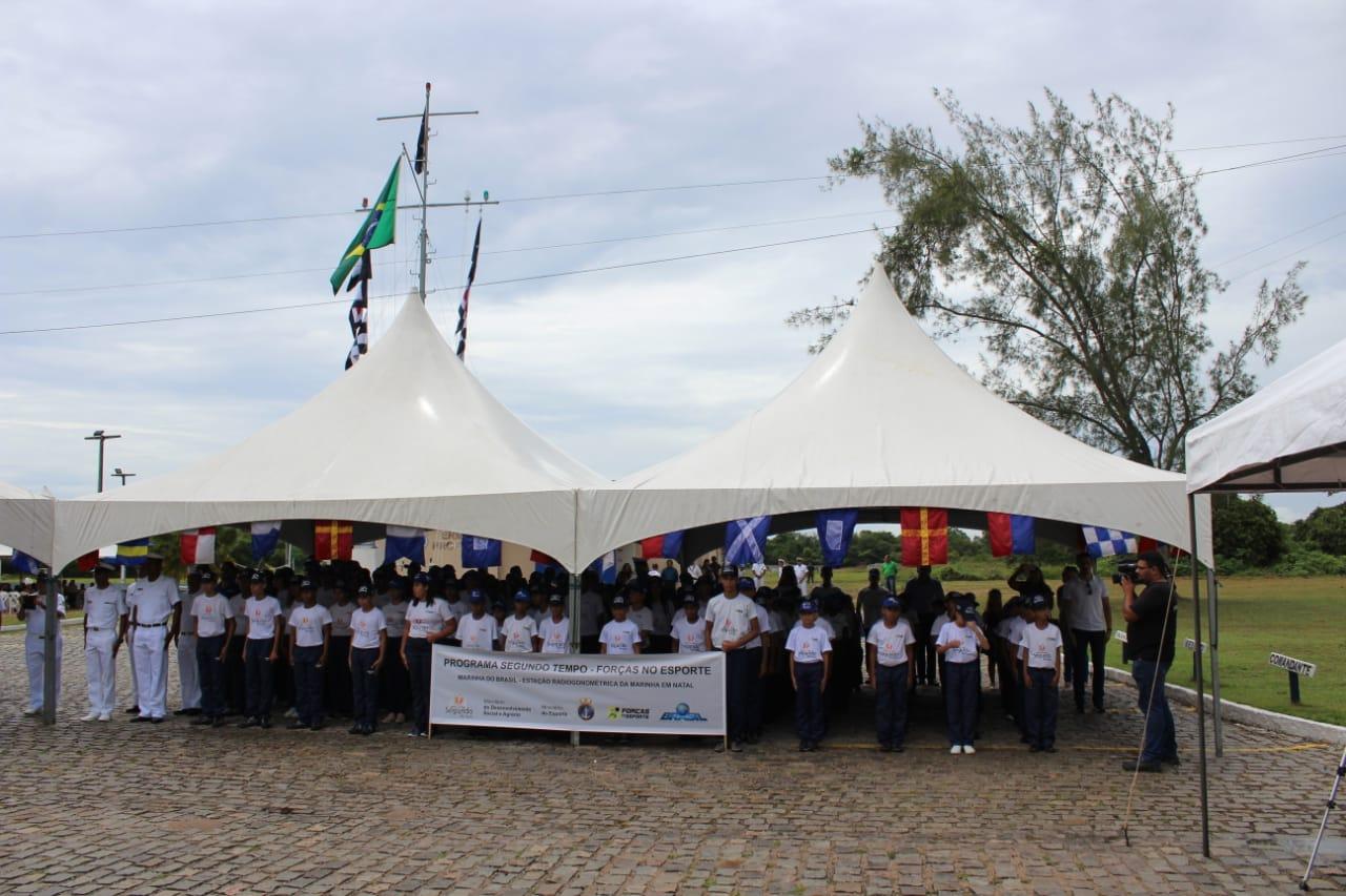 Educação: estudantes de São Gonçalo participam de atividades na sede da Marinha
