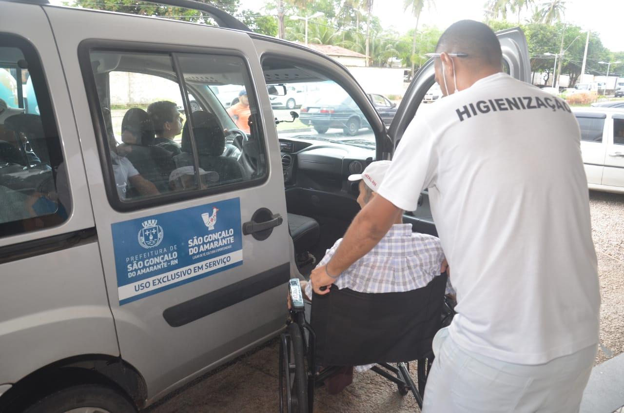 Saúde: Prefeitura Municipal disponibiliza transporte para pacientes em tratamento na capital potiguar