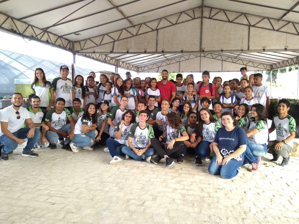 Educação: alunos da rede municipal participam de aula de campo em Macaíba