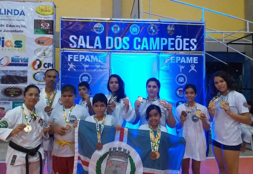 Atletas são-gonçalenses participam de campeonato nacional de Karatê