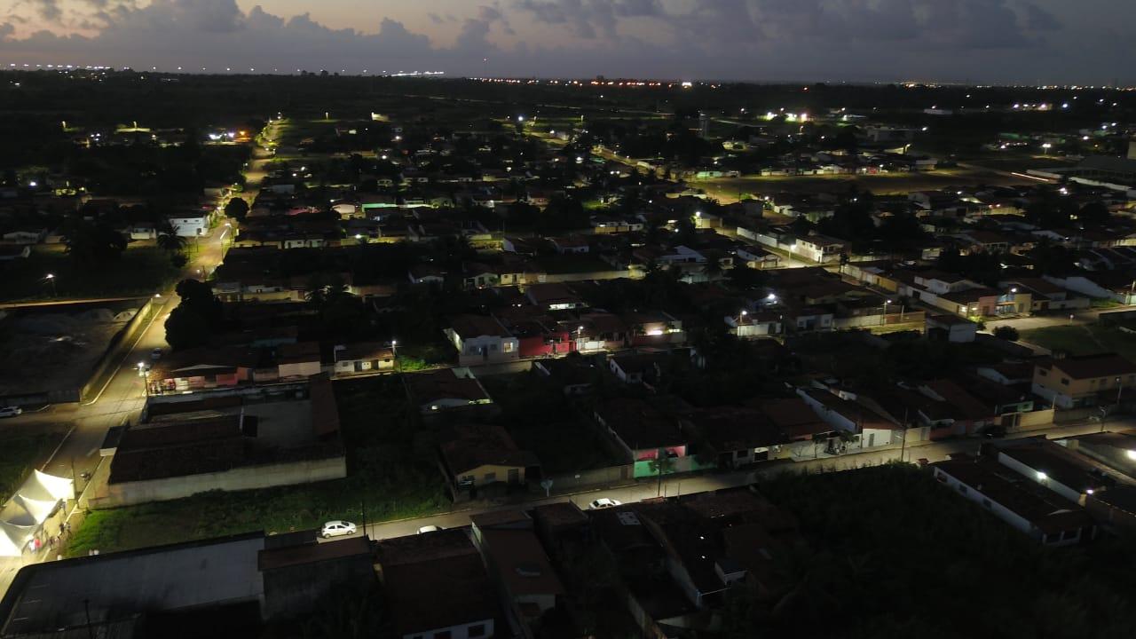 São Gonçalo: 25 ruas do Santa Terezinha recebem iluminação de LED