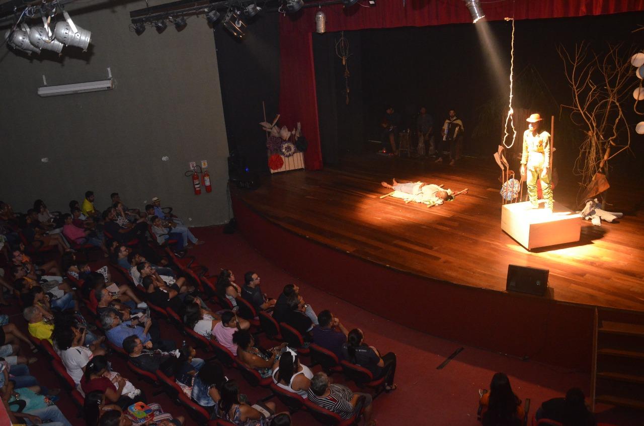 Festival de Teatro Pedro Miranda revela talentos e proporciona acesso ao mundo dos palcos