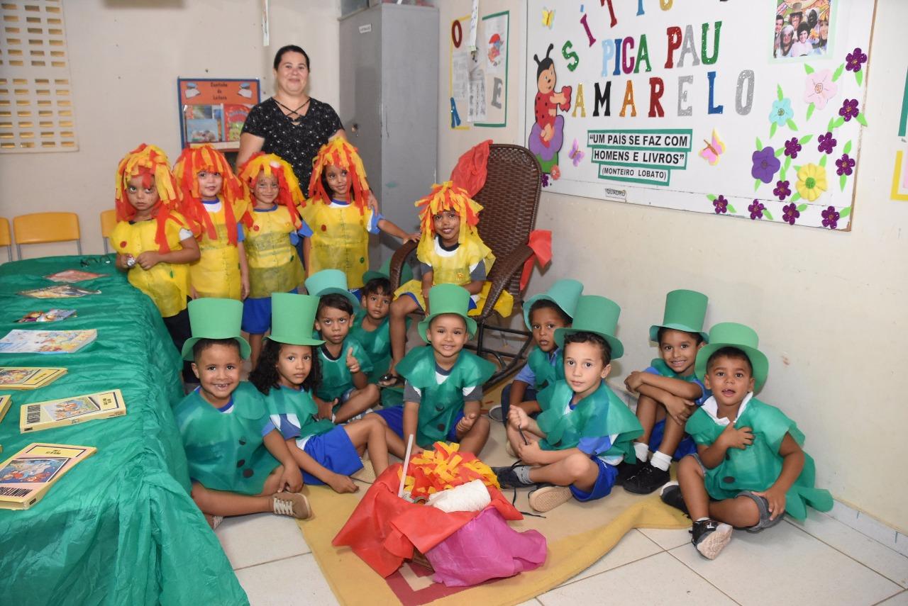 Escola Municipal Djalma Marinho realiza mostra literária