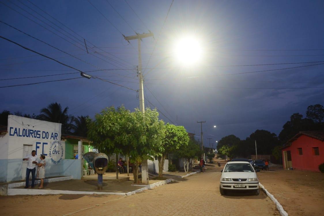 Luz pela Paz: comunidade de Ladeira Grande recebe iluminação de LED