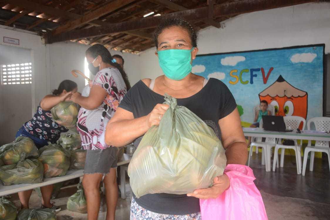 Prefeitura realiza mais uma etapa da entrega dos kits de frutas às famílias em em vulnerabilidade social