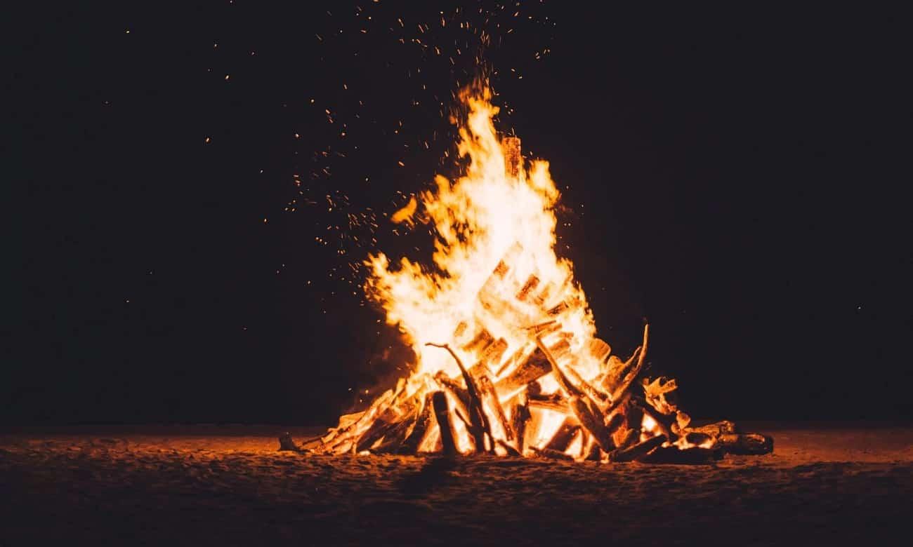Prefeitura de São Gonçalo proíbe fogueiras e uso de fogos de artifício no município