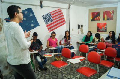 Prefeitura oferece vagas para cursos gratuitos de idiomas em inglês e espanhol