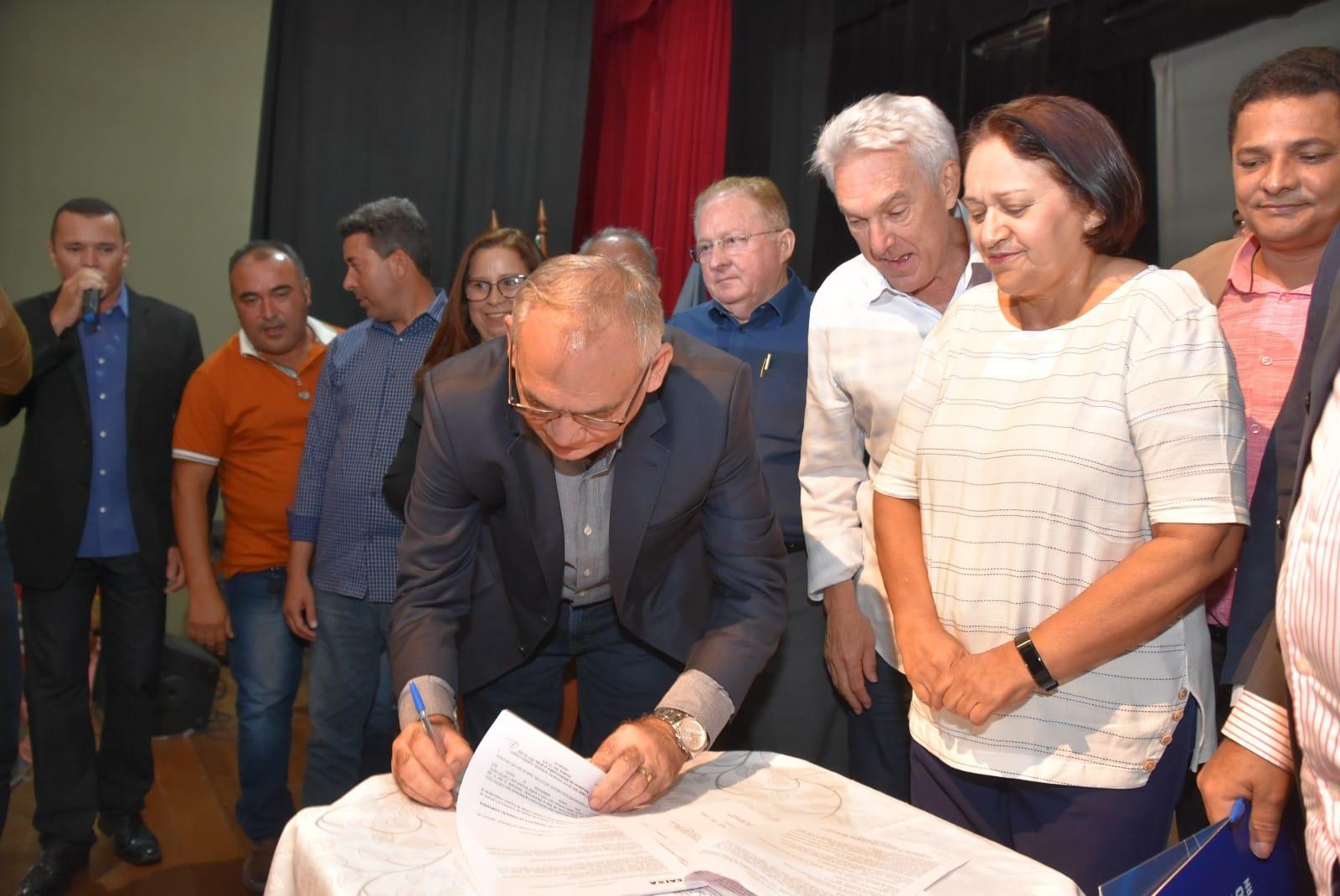 Prefeitura de São Gonçalo e Caixa Econômica oficializam contrato para construção do hospital geral da cidade