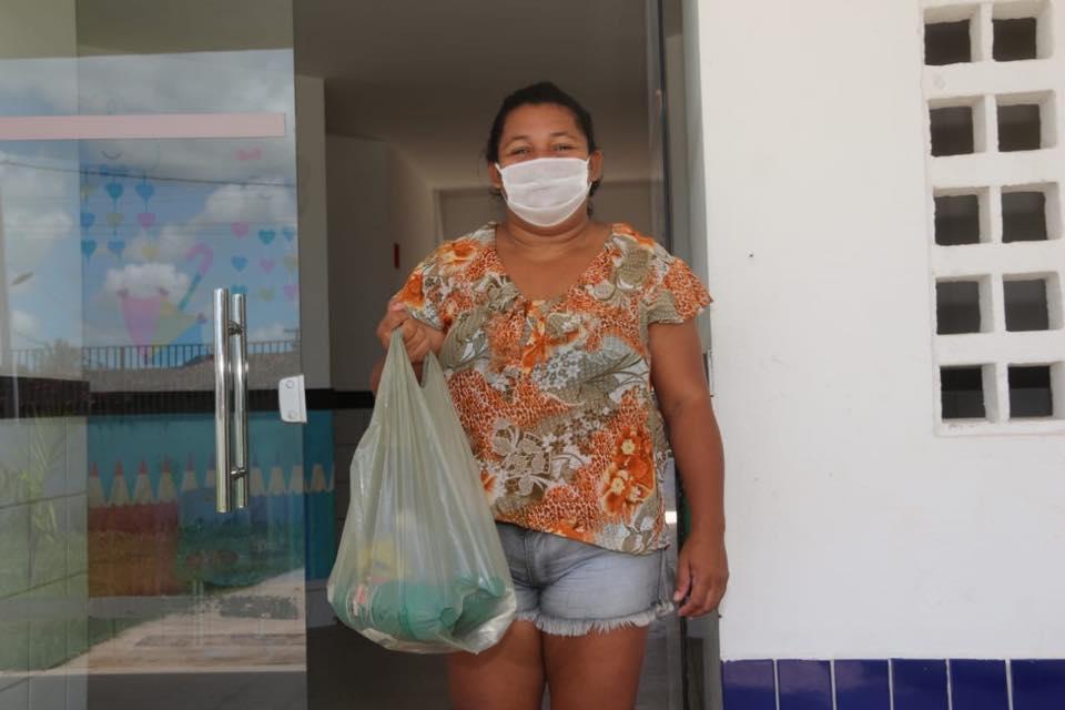 Prefeitura deu início a entrega de 15 mil kits de higiene pessoal e limpeza